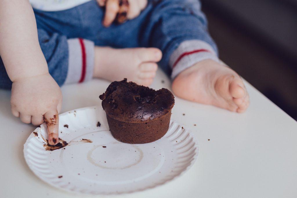 little baby eat little cake
